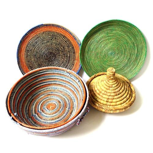 manden uit Senegal, Ngaye en (brood)mand uit Marokko