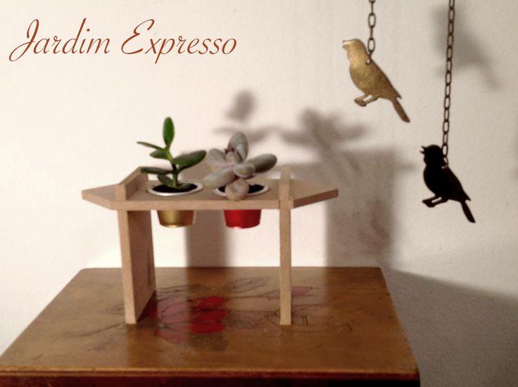 Microcosmos - Coleção Jardim Expresso. Reuso de cápsulas de café para decoração…