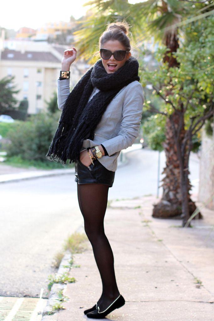 Vila blazer, Primark shorts, Zara scarf, Fashion Pills slippers, Dior sunglasses.