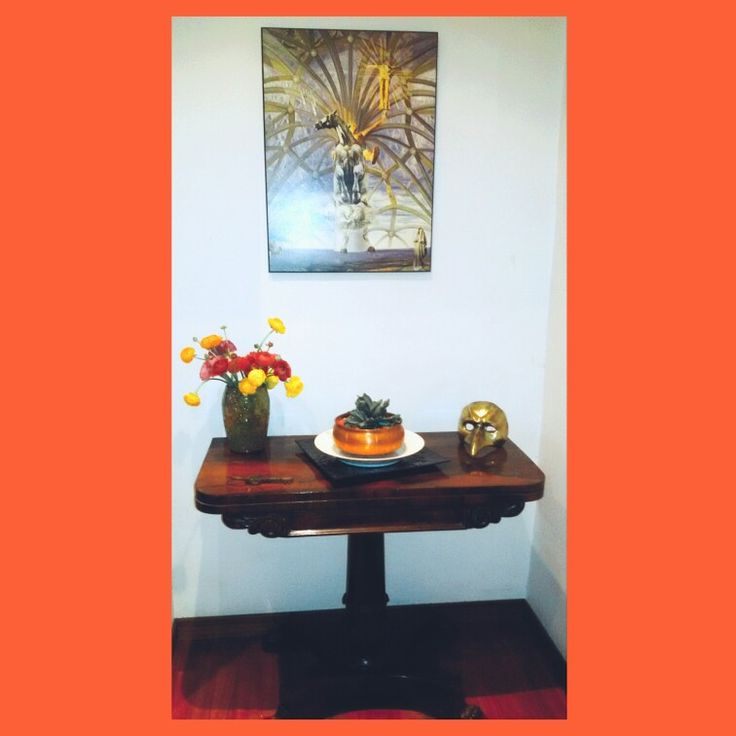 Living interior table centerpiece mask pot homedecor