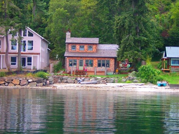 Whispering Waters Cottage - Home Exterior Designs - Decorating Ideas - HGTV Rate My Space