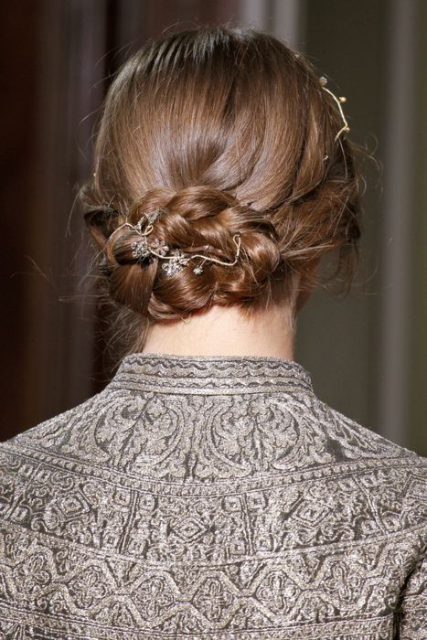 Braid with no detail: Hair Beautiful, Beautiful Hairstyles, Couture, Soft Hair, Peinados De Novia, Couture Dresses, Hair Style, Haute Couture, Wedding Red Poppy