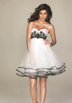 gracieuse A-ligne sweetheart court / mini en satin organza robes de soirée courtes