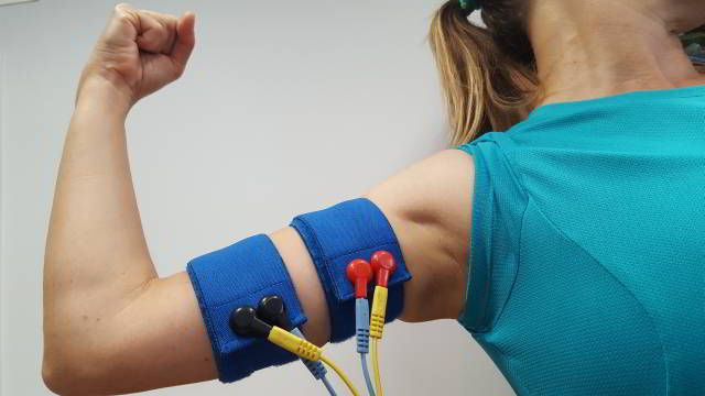 Cintas elásticas de electroestimulación para brazos y antebrazos