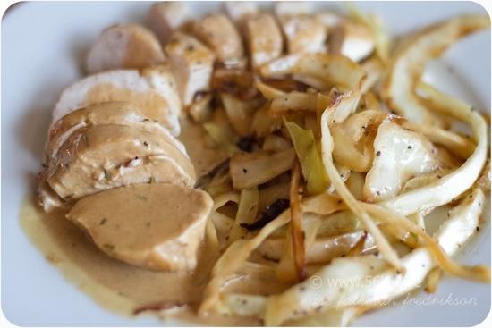 Grillad kycklingfilé med gräddig vitlökssås @ 56kilo – LCHF Recept, inspiration, mode och matglädje!