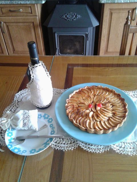 Turismo Rural: Tarta de manzana rellena de membrillo de manzana