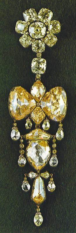 French Crown Jewels the Empress Eugenie Brooch with the Mazarine Diamonds. WOW - Is this a drop dead, gorgeous, over the top piece of yellow diamonds or what !