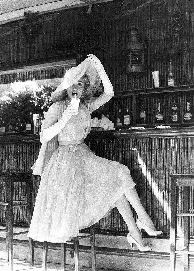 <0> Marlene Dietrich, Cannes, 1955, por Willy Rizzo