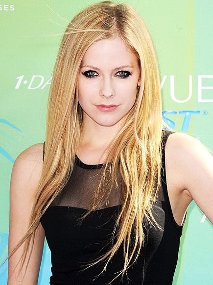Avril Lavigne's Battle with Lyme Disease: 3 Things to Know http://www.people.com/article/lyme-disease-what-to-know-avril-lavigne