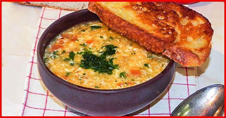 """""""Supa spaniolă cu usturoi"""" este foarte gustoasă, sățioasă și sănătoasă. Această supă se prepară foarte simplu, din ingrediente banale și este un remediu excelent împotriva răcelii. Supa este ușoară, foarte aromată și are gust intens de usturoi – perfectă pentru cei care adoră acest condiment extraordinar. Încercați să preparați această supă delicioasă măcar o dată în viață! INGREDIENTE -4 roșii -1 căpățână de usturoi -3-4 felii de pâine albă (preferabil de ieri) -1 l de supă (de pui sau…"""