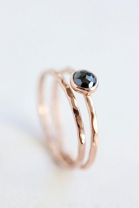 Ring aus Rosegold mit Saphir oder Aquamarin