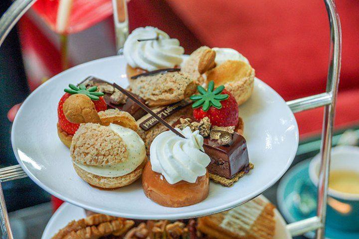 o Hotel Shangri-la oferece um dos melhores chás da tarde em Paris. Saiba tudo no blog.