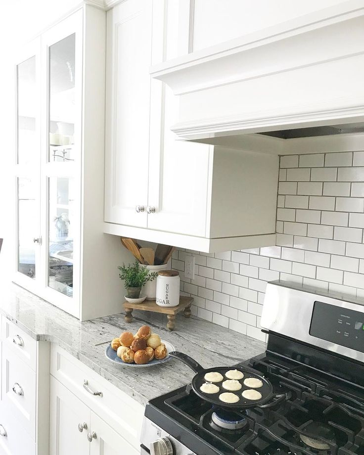 Best 25 Benjamin Moore Green Ideas Only On Pinterest: 25+ Best Ideas About Benjamin Moore Cloud White On