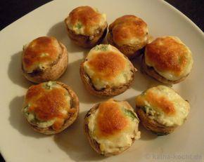 GebackeneChampignons///Ob als Tapas oder als Fingerfood – gebackene Champignons mit Frischkäsefüllung sind schnell zubereitet und schmecken lecker.