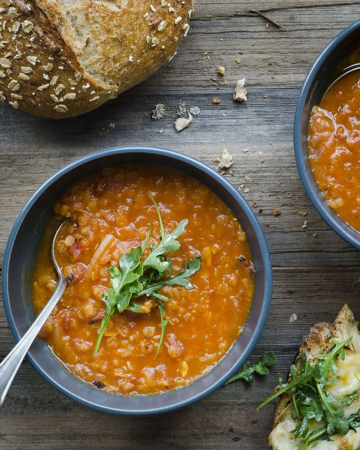 Smoky red lentil stew and cheesy toast with caramelized onion and arugula #vegetarian