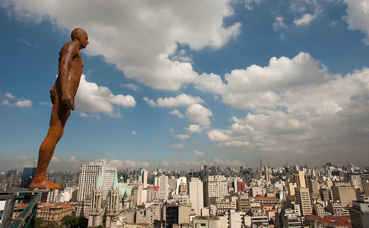 Antony Gormley - suicidal statues.