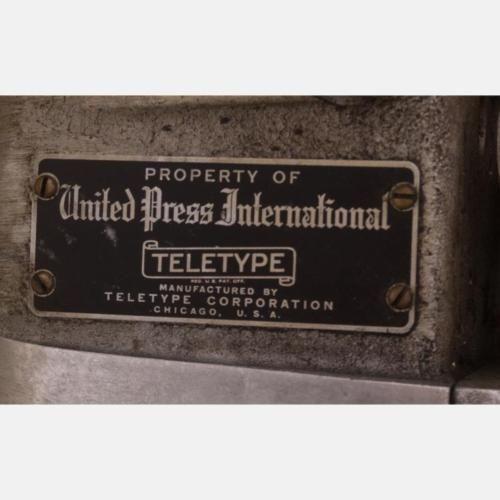 A-Vintage-United-Press-International-Teletype-Machine-20th-Century-Lot-433