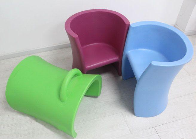 Пластиковые полукруглые детские столы разного яркого цвета купить в интернет-магазине https://lafred.ru/catalog/catalog/detail/35432600439/