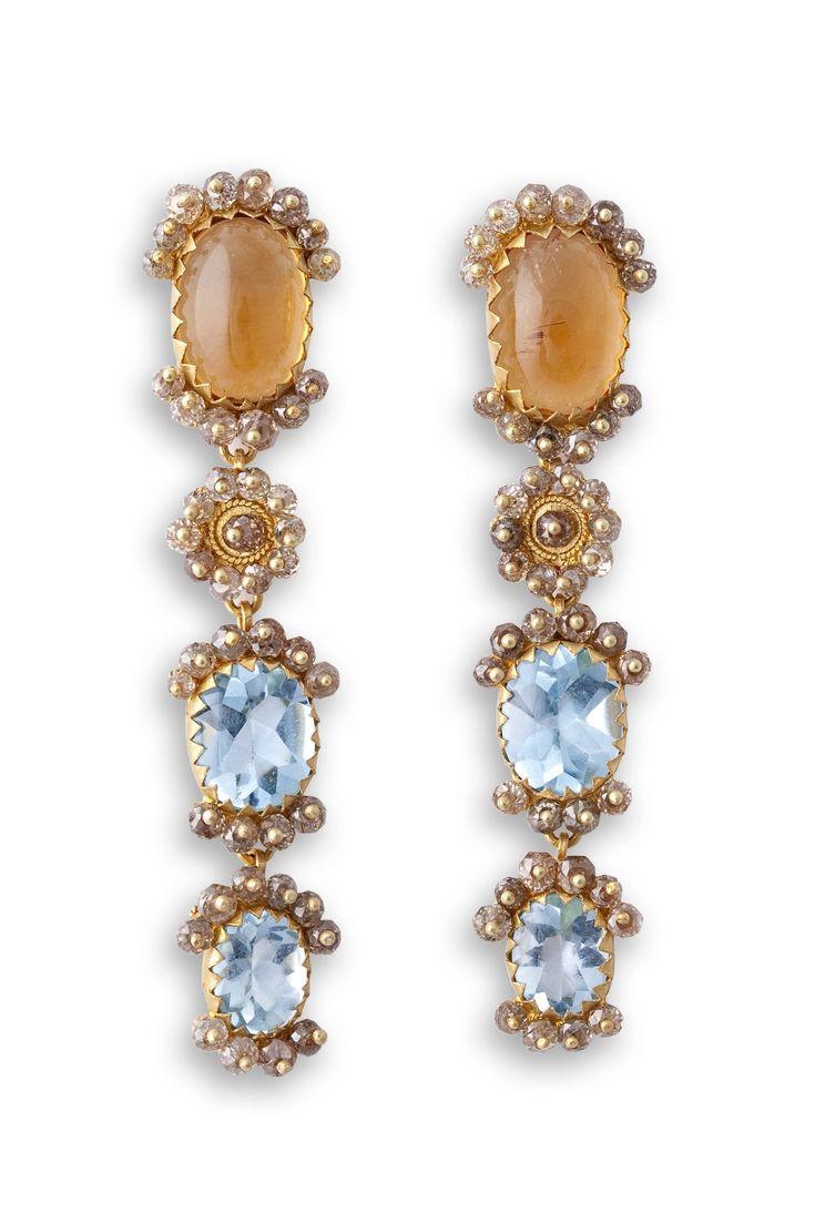 18K Gold filigree earrings handcrafted by Loredana Mandas loredanamandas.com