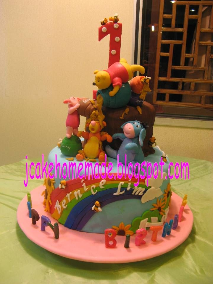Happy 1st birthday Bernice Lim. Thanks Peter Lim for ordered. www.jcakehomemade.blogspot.com