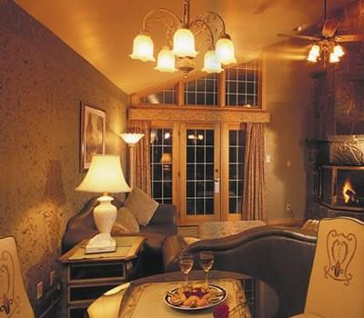 Couples Resort, Muskoka Ontario Resorts, Algonquin Park, Ontario Inn Spa, Romantic Honeymoon, resort in Ontario