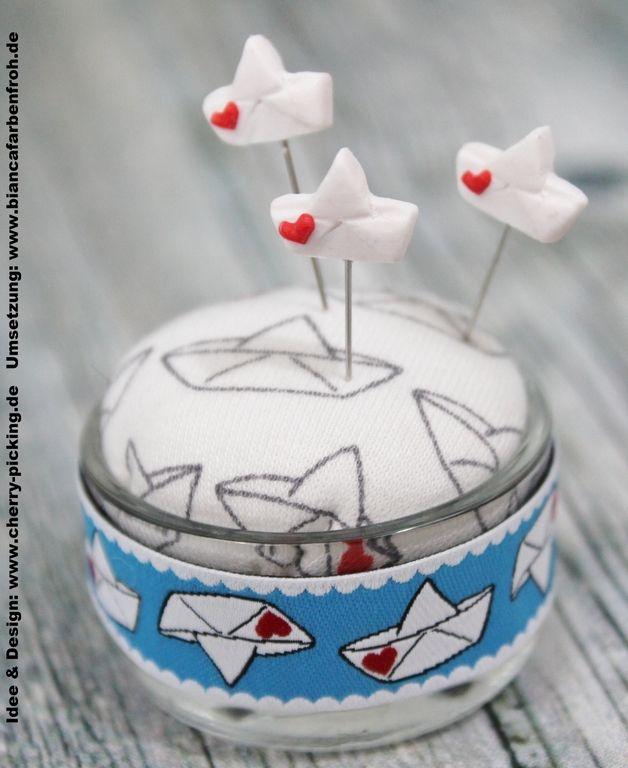 Praktische Stecknadeln zum Nähen in Form von Booten / little sewing pins, love boats made by biancafarbenfroh via DaWanda.com