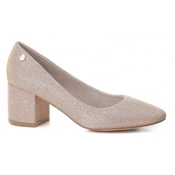 XTI 30706 is a stylish Court Shoe with a 45mm Heel, the Nude glimmer  (colour changing from nude to gold due to the glimmer effect) colour livens  the shoe up ...