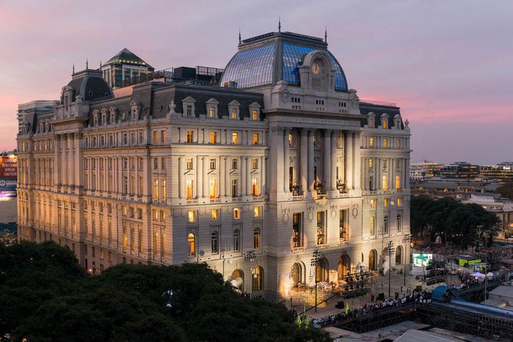 MUST-SEE-SPOTS DURING YOUR VISIT TO BUENOS AIRES >>> KIRCHNER CULTURAL CENTER. Located in the old Post and Telegraph Palace, an emblematic building constructed between 1889 and 1928, it is an ideal place to get in touch with the local culture. In this cultural centre, the largest of Latin America, you'll be able to enjoy the best musical shows and visual art exhibitions coming from all Latin America. Discover this amazing place! #buenosaires #southamerica #art #music #culture #buildings…