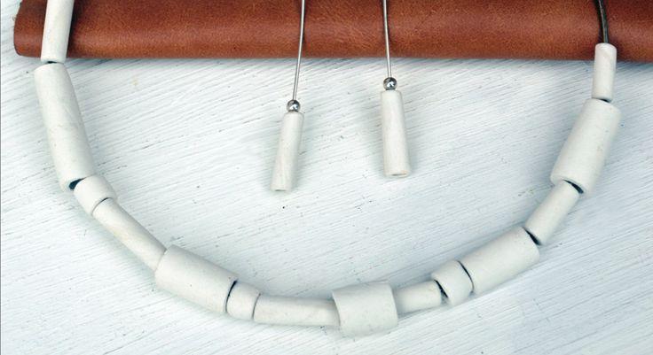 Collana di porcellana e argento, design by Atelier Daniela Levera Collar de porcelana y plata Porcelain and silver  necklace jewelry