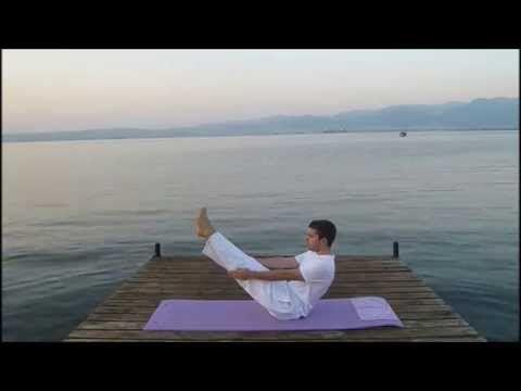 Sabah Yogası, başlangıç seviyesi 1. ders; Başlangıç seviyesi Yoga tekniklerin uygulandığı bu dersle temel teknikleri öğrenebileceksiniz.