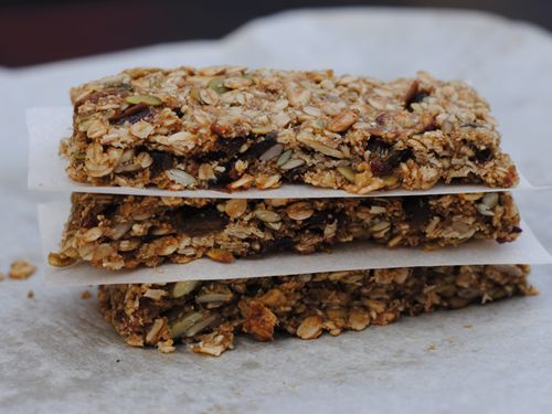 Nut-Free and Gluten-Free Granola Bars from She Let Them Eat Cake.Com #glutenfree #victoriodeluxegrainmill #victoriofooddehydrator