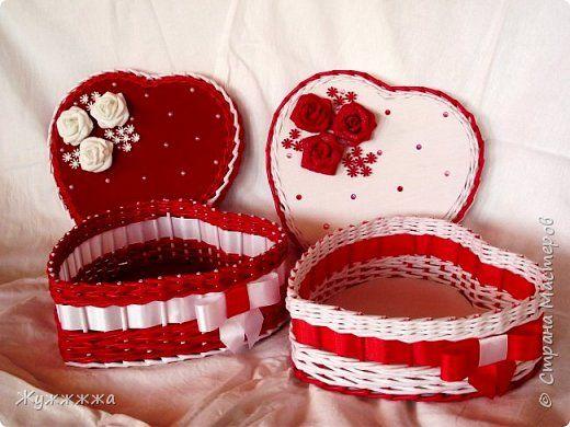 Поделка изделие Валентинов день Плетение Шкатулка Сердце из бумажной лозы Бумага газетная Трубочки бумажные фото 1