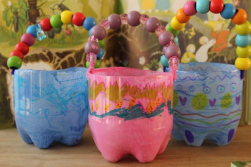 Recycled, brilliantly cheerful and super speedy ten-minute Easter baskets!