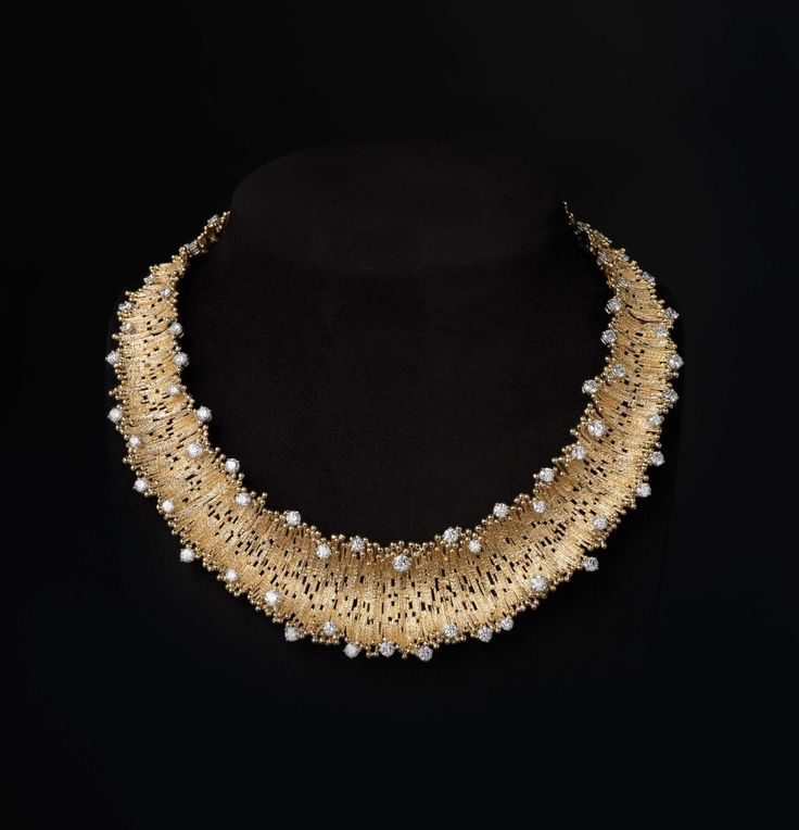 Andrew Grima 'Lei' Necklace gold diamonds
