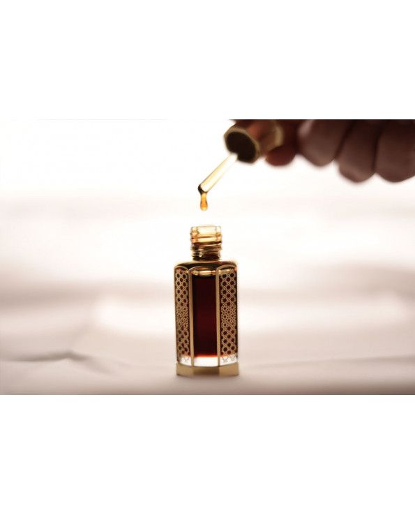 دهن عود كلاكاسي قديم جدا افضل انواع دهن العود Book Perfume Fragrances Perfume Women Perfume