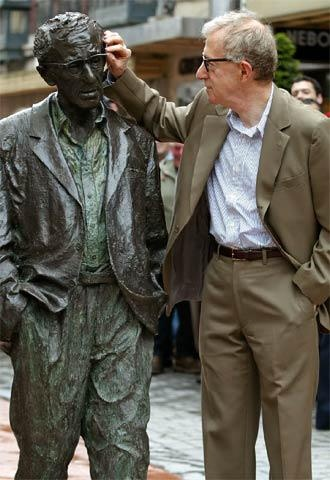 Oviedo, Asturias. Woody Allen with the real thing!