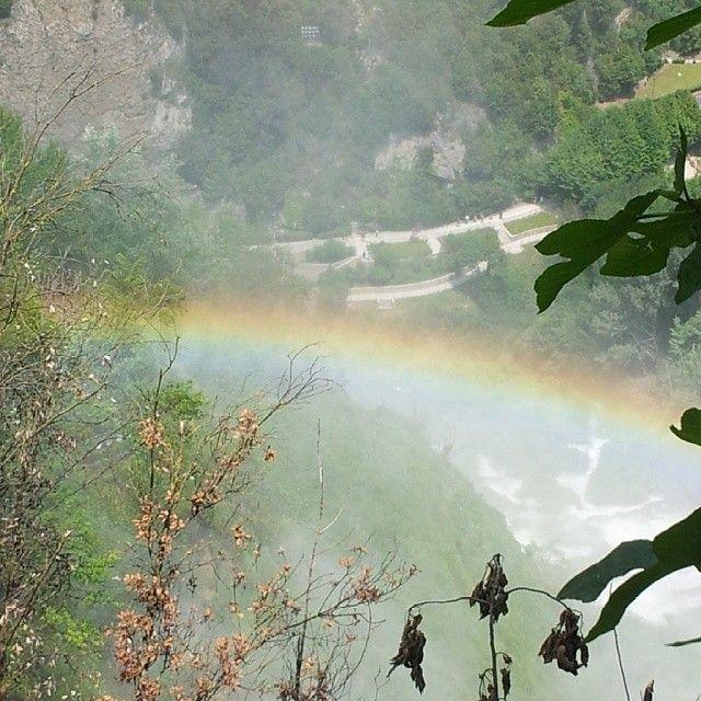 Un'arcobaleno inaspettato presso la #CascatadelleMarmore #Terni #Umbria
