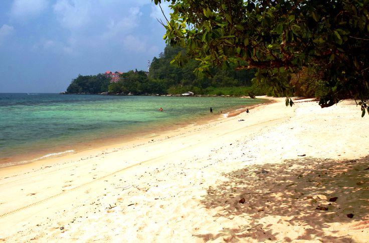 Bunot Beach, Paya – ÎLE TIOMAN, MALAISIE   TheNextStop