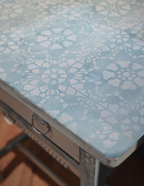 schabloniertechnik schablone stencil tischchen beistelltisch nähtisch