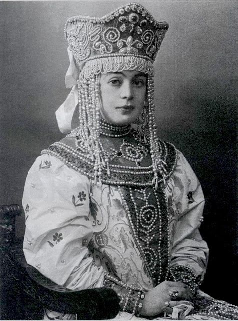 Local fashion: Russian nobles at the fancy dress ball of 1903