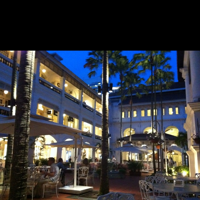 Raffles Hotel central courtyard and outdoor bar