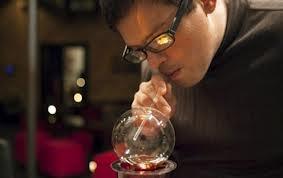 Beber um copo de uísque escocês, ou de gin, vai-se tornar uma coisa do passado, se os fabricantes do Vaportini levarem avante a sua maneira. O aparelho de US $35, colocado à venda no mês passado, assemelha-se a nada mais do que um bongo de vidro.