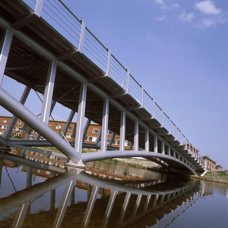 Bridge in Nesselande, Rotterdam. Design by ipv Delft.