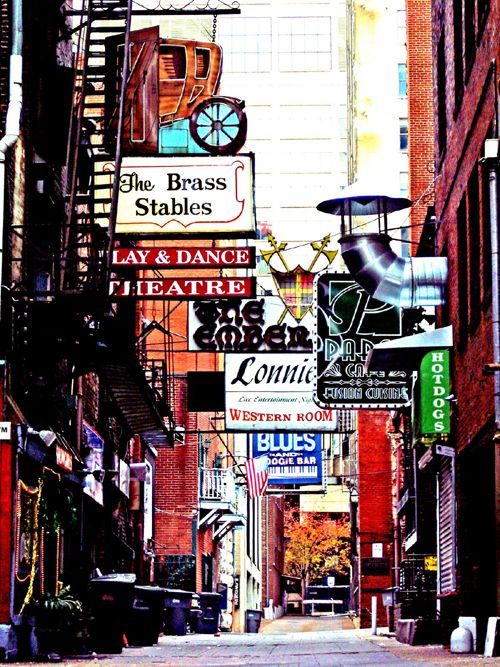 Printer's Alley - Carrie Underwood's 'Before He Cheats' music video was filmed here! Fun area to go downtown!