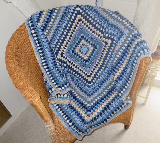 Blauwe granny square deken -> Online bestellen bij Cronelia.nl