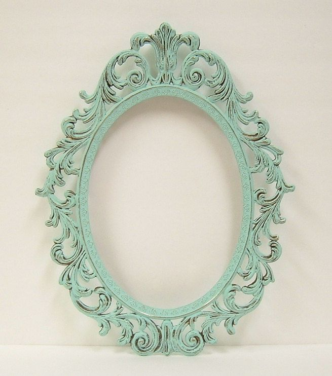 Shabby chic frames mint green oval picture frame vintage for Shabby chic frames diy