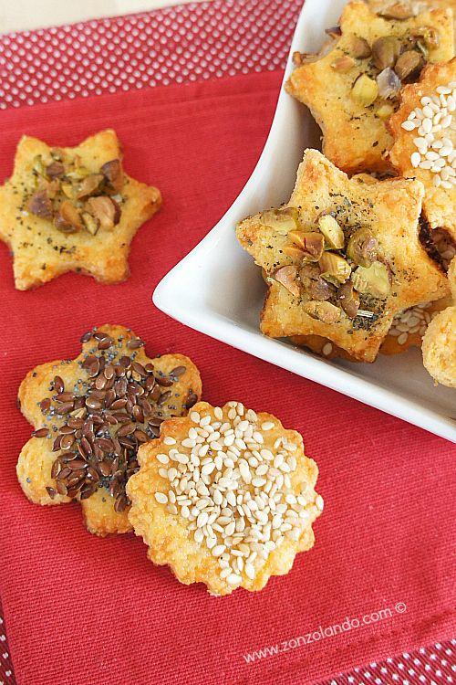 Biscotti salati al formaggio con pistacchio, semi di sesamo o lino e ...