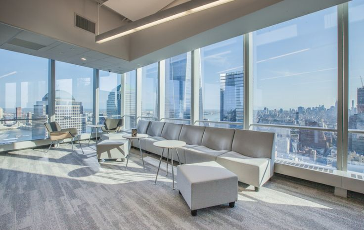 4 World Trade Center for IEX Group  Designer: MKDA New York    #4worldtradecenter #iexgroup #office #mkdanewyork #tagwall #encore #interiordesign #officedesign #walldesign #workspaces