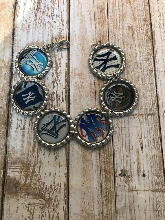 $18.25 New York Yankees Charm Bracelet New York Yankees Baseball Bracelet #Yankees #charmbracelet #handmadegift
