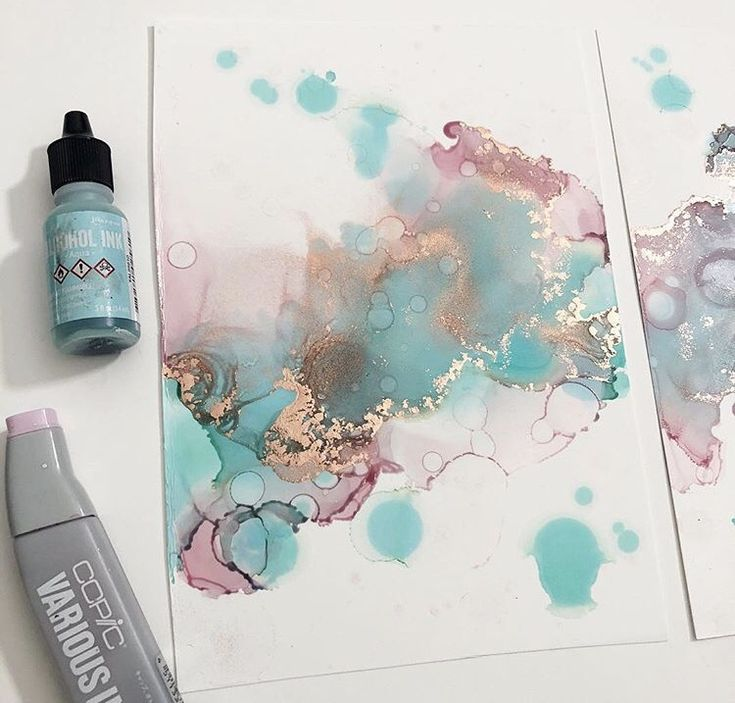 @hannahsinkart shares her tips on working with alcohol inks!